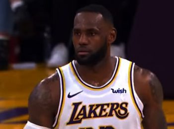 Lakers Defeat The Suns